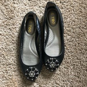 Me too flats! Practically new!